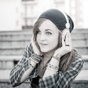 desat-girl-m15